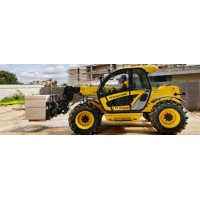 New Holland LM740
